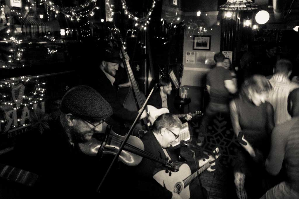 Gypsy Swing Revue | The Band!